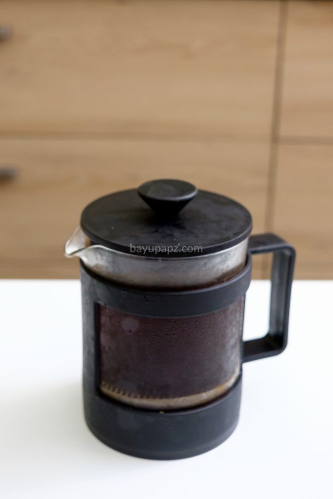 cara membuat cold brew coffee sendiri french press 8