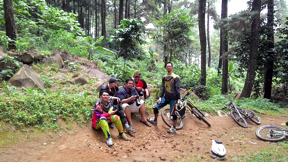 sport action photography bycicle downhill extreme sebex sentul bogor gunung pancar bts 3